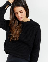 Womens Chunky Cropped Crew Neck Knit - Black