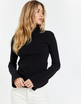 Raised Neck Rib L/S Top