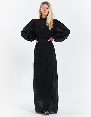 Este Dress With Long Sleeves