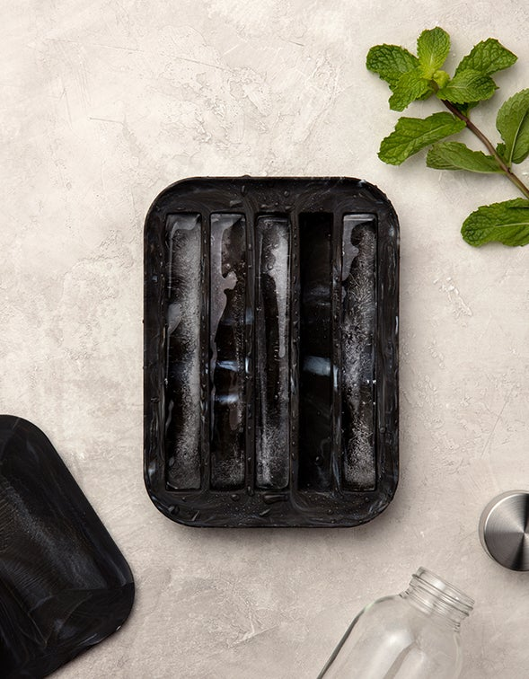 Water Bottle Ice Tray - Marble Black