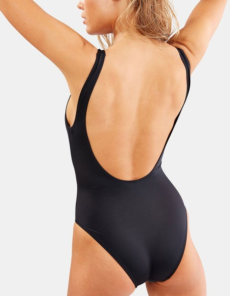 The Sophie Onepiece - Black