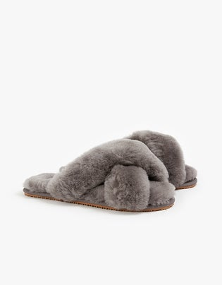 Cross Over Sheepy Slipper